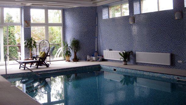 строительство домов с бассейном под ключ